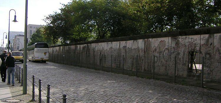 Берлин стена